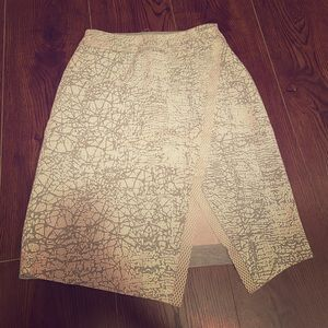 Basic House Detailed Form Fitted Skirt